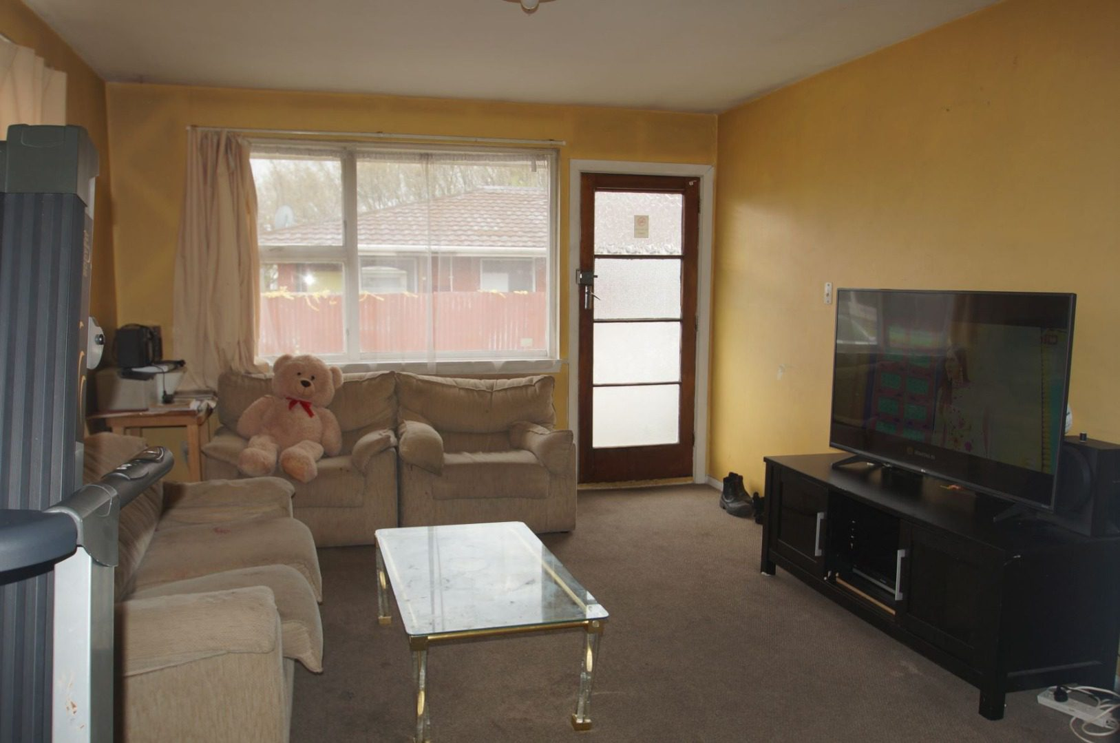 Sunny 2 Bedroom Unit in Linwood.