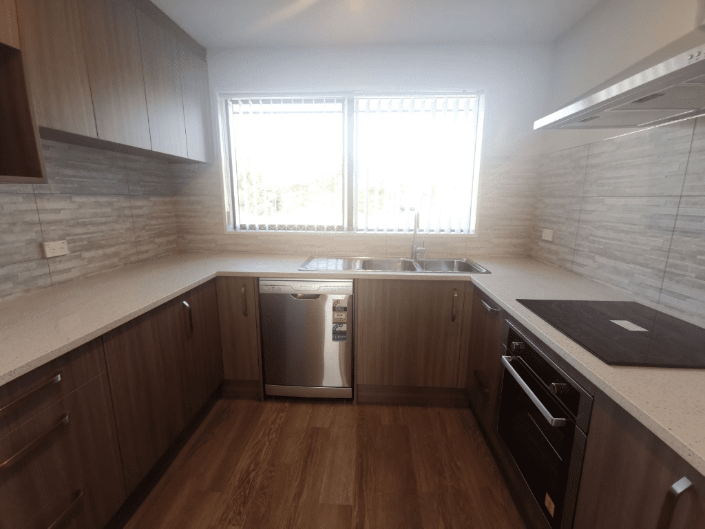 Modern Boarding House with 6 Rooms Available