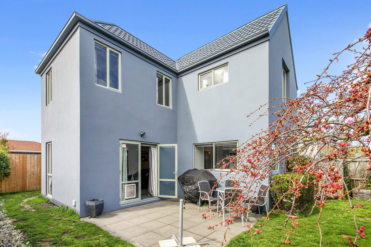 UNDER OFFER – Minutes from the City